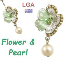 Navel Belly Bar Free Post Peridot Flower and Pearls dangle Piercing