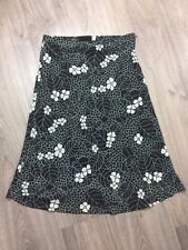 H&M Women's Skirt with Floral Design Size 4 (H6)