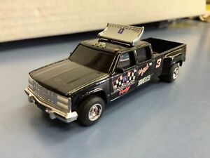 Chevy Dually 1 ton 18 Dale Earnhardt goodwrench racing  1:64 Truck crew cab #3