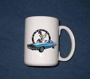 New 15 Oz. 1970 Plymouth Road Runner mug
