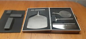 WILLIAMS SONOMA PIZZA OVEN TOOL KIT STAINLESS MINT IN  ALUMINUM CASE NEW