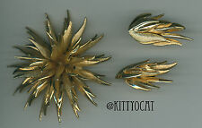 Vintage Gold Sea Anemone Mum Brooch Pin and Clip On Earrings Set