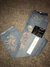 Womens Size 4 Nine West Embroidered Blue Jeans Chrystie Capri Style
