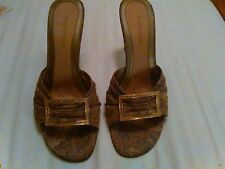 ENZO ANGIOLINI TAUPE FLORAL SHOES 9M BEAUTIFUL
