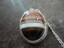 """BROWNS AND WHITE  AGATE LOCKET STERLING SILVER PLATED 26"""" CHAIN"""