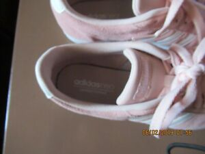 Adidas Neo Sneakers   Size 8 1/2
