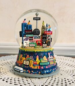 Broadway Cares Times Square 2000 ONLY AT BLOOMINGDALE'S Snow-globe Musical