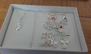 avon kyndra charm gift set 1 necklace/bracelet & 16 charms new