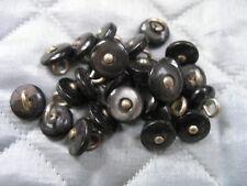 25 boutons de Bottines anciens en nacre centre et attache métal diamètre 10mm