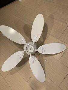 """44"""" Harbor Breeze Mdl:ANL44WW5C White Ceiling Fan 5 Blades W/Light."""