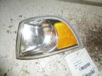 DRIVER CORNER/PARK LIGHT PARK LAMP-TURN SIGNAL FENDER FITS VOLVO 40 SERIES