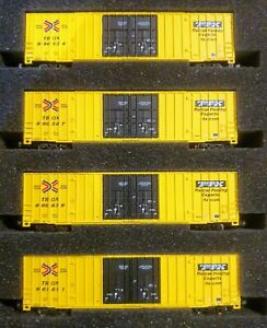 Z SCALE 4 Pack Freight Car