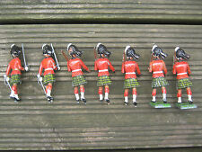 RARE BRITAINS LEAD SCOTTISH HIGHLANDERS / PIPERS / SOLDIERS MARCHING IN KILTS