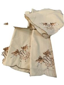 16X16 BEIGE NAPKINS WITH FLOWERS LOT OF 12