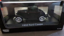 1932 Ford Coupe in Black - 1:43 scale Motor Max