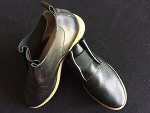 Hush Puppies Ladies Leather Black Shoes 8.5W (Annerley Clever - Worn Once VGC)