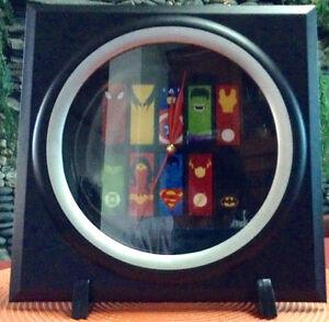 SUPERHEROES GRAPHIC ICON (5) Memorabilia Collectors' Wall Clock
