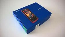 Nokia 700 nuevo de color negro en su packaging original con todos sus accesorios