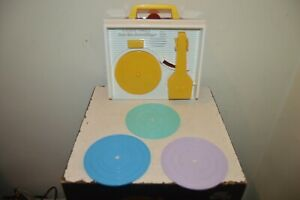 TOURNE DISQUE FISHER PRICE 3 DISQUE  MUSIC BOX RECORD PLAYER VINTAGE 2014