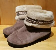 Womens Isotoner Woodland Faux Fur Tan Taupe Bootie Slippers sz 8.5-9