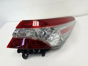2018 19 20 TOYOTA CAMRY RIGHT TAIL LIGHT USED OEM LED *C378