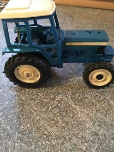 Britains ford tw20 Played With Condition