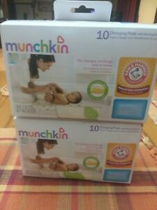 Munchkin changing pads with Arm and Hammer baking soda (2 packs)