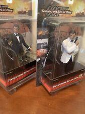 007 Tomorrow Never Dies James Bond 2 Figure Set: Black & White Tuxedo 1/9 Scale
