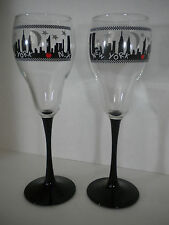 NEW YORK CITY Skyline Champagne Glasses set of 2 Goblets Silhouette Twin Towers