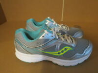 WOMENS SAUCONY GRID COHESION 10 GRAY WHITE TEAL RUNNING SHOES SIZE 7M A653