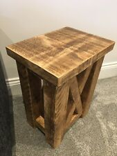 SIDE TABLE / BESPOKE RUSTIC CHUNKY SOLID STYLE WOODEN LAMP TABLE X DESIGN DETAIL