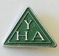 YHA Youth Hostels Australia Pin Badge Rare Vintage (H8)