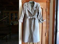 LONDON FOG Women's Raincoat, Overcoat, Tan. SIZE: 6R Used minimally.  VINTAGE