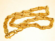 18k  750 Gold Bracelet Figure 8 Twisted Link  9 in. long  5.3 Grams