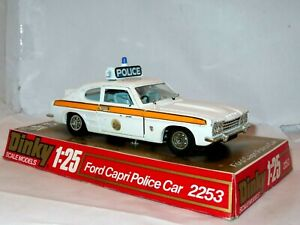 DINKY 2253 1/25 POLICE FORD CAPRI. NICE MODEL ON PLINTH. NO COVER. LIGHT FLAWS.