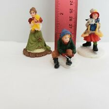 O'Well Christmas Village Figurines  - Lot of 3