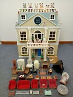 Sylvanian Families Grand Hotel w/- Furniture + 13 Creatures