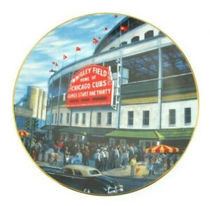 Collector Plate WRIGLEY FIELD #13315A Take Me Out to the Ball Game Collection
