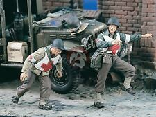 Verlinden 1/35 US Army Combat Medics Running in WWII (2 Figures) [Resin] 1817