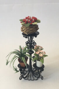 Dolls House Plant Stand And Plants