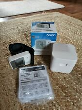 Omron RS2 Wrist Blood Pressure Monitor & Case - EXCELLENT CONDITION