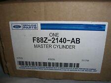 NOS OEM Genuine Ford 1996-1998 Windstar Master Cylinder W /TC Part #F88Z-2140-AB