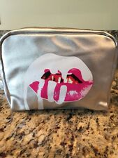 NEW-KYLIE MAKE UP BAG SILVER 👄 K CHARM INCLUDED -ZIPPER USA SHIPPER GIFT!