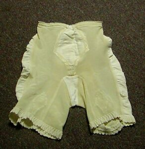 Vintage Exquisite Form Soft Skin FIrm Control Long Leg Girdle with Garters Wh Sm