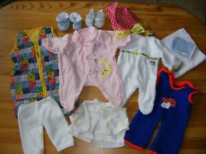diverse Puppenkleidung und Schlafsack für 35 bis 40 cm große Puppen
