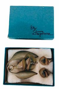 Vintage Daphne Leather Brooch Pin Trumpet Flower & Screw Back Earrings Boxed