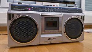 Vintage SANYO M9802F Radio Boombox Cassette Stereo Rundfunkempfänger