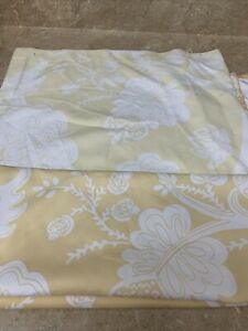 THRESHOLD SHOWER CURTAIN 70 X 72 YELLOW GOLD WHITE LEAVES FLORAL  100% POLYESTER
