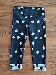 Fabletics Running Athletic Gym Yoga Leggings Cropped Pants Women's Size M