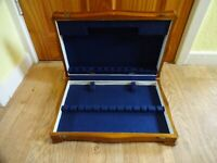 VINTAGE  WOODEN CUTLERY CASE/CANTEEN FOR 6 PLACE SETTINGS - EMPTY 7 x 39 x 26 cm